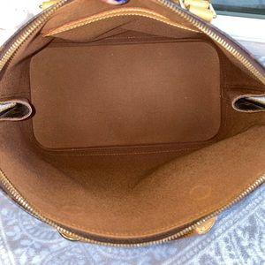 Louis Vuitton Bags - Authentic Louis Vuitton Alma  Hand Bag